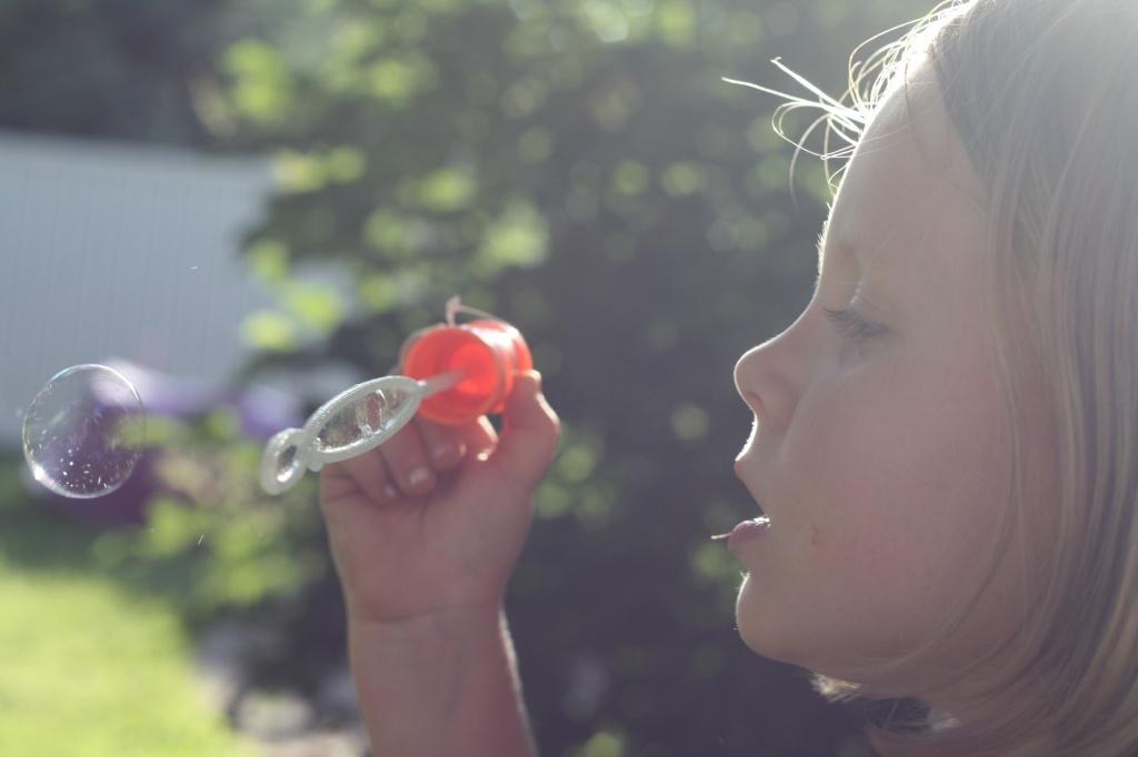 Summer = Bubbles = Happy girls